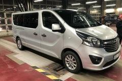Bon-Voyage-busu-noma_Opel-Vivaro-EE28-2